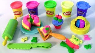 Play Doh Frost 'N Fun Cakes using Play-Doh Plus Kitchen Creations | Pasteles Decorados