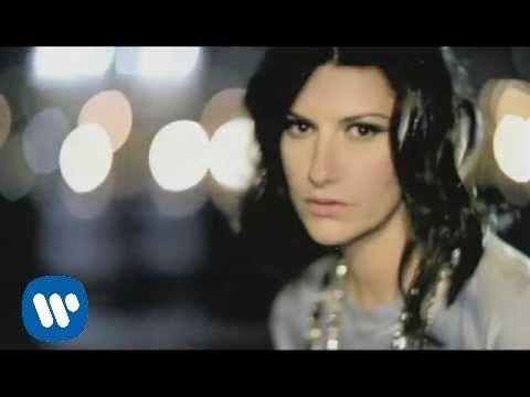 Laura Pausini - Con La Música En La Radio
