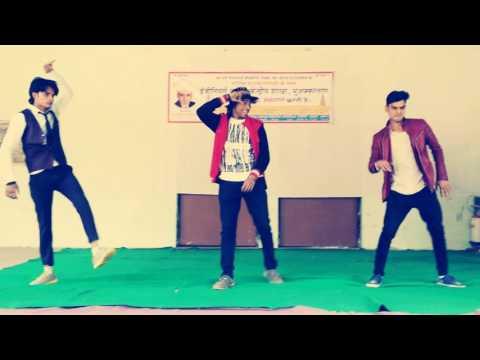 Aaja mahi. Looking. And lyrical dance
