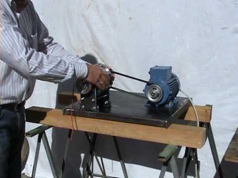 Variatore di giri meccanico e automatico a masse dinamiche for Motori elettrici per macchine da cucire