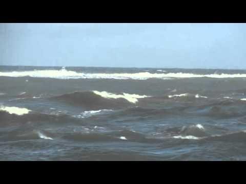 Jupiter Inlet 30ft Catamaran Coming In Rough Sea Youtube
