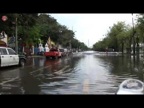 Bicycle de Go! 025 – Flood in Bangkok / Around Flooding Sanam Luang Part 4