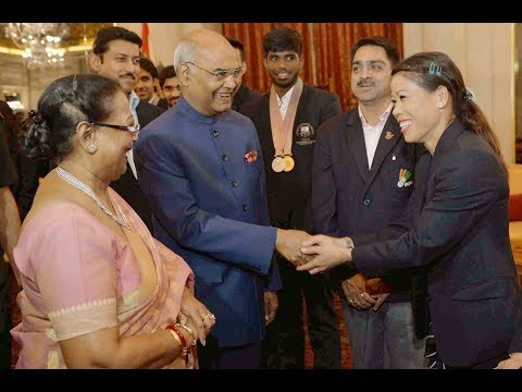 President Kovind meets Indian medal winners of Commonwealth Games 2018 at Rashtrapati Bhavan