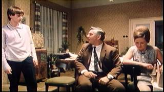 Pelíšky (1998) - Trailer