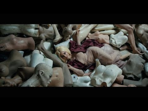 La Materialista - Nunca Maniqui (Video Oficial)
