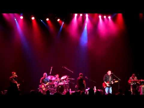 Los Lobos - East LA (Maui live 12.10.10)