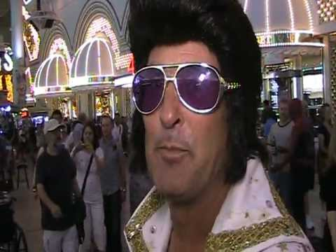 Las Vegas Elvis blames Obama' economy for costumed begging in Vegas & Hollywood