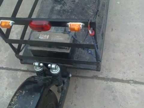 Moto con carrito de una rueda youtube for Carritos con ruedas para cocina