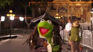 PIRATES OF THE CARIBBEAN: OST - Kermit the Frog at Premiere - On Digital HD, Blu-ray and DVD Now
