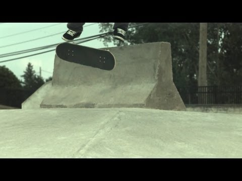 Skateology: backside 360 kickflip (1000 fps slow motion)