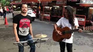 Download Lagu Duet pengamen keren... suara mantapp dengan lagu - lagu nusantara Gratis STAFABAND