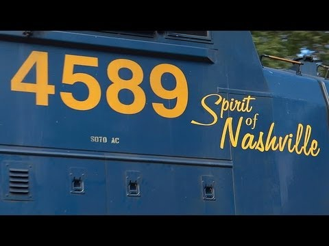 """Spirit Of Nashville"" Leading CSX Q398"
