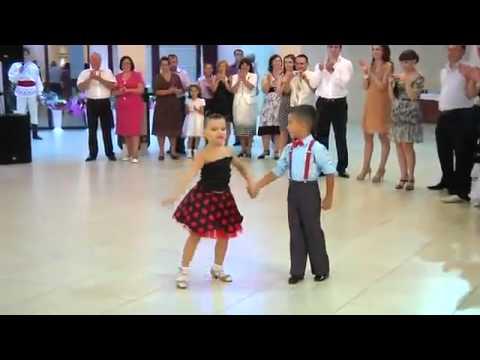 танцы детей на СВАДЬБУ!.mp4