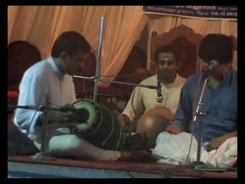 Saraseeruha Nayane [part4] - Amrithavarshini (swarams & Thaniyavarthanam) - Kalathimekkad Brothers video