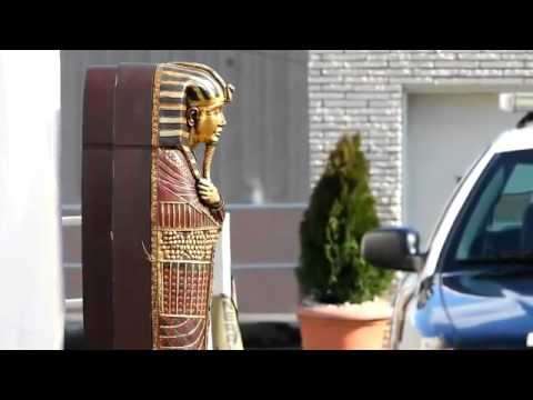 Illuminati Sacrifice of Whitney Houston!  Illuminati Ritual... Egyptian Sarcophagus at Funeral