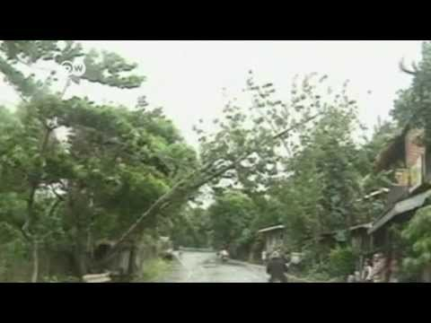El tifón Haiyan irrumpió en Filipinas | Journal