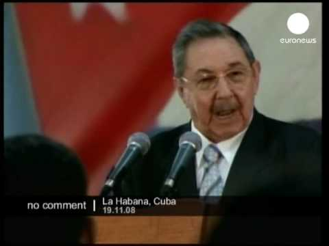 Raul Castro sings in Chinese for chinese guests
