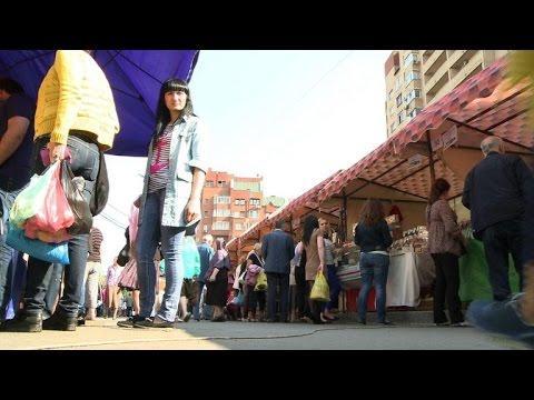 Russian shoppers react to new EU sanctions