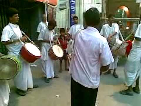 Bengali drums at Durga Puja 2011 (Kolkata)
