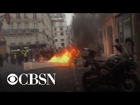 French leader fails to appease protesters