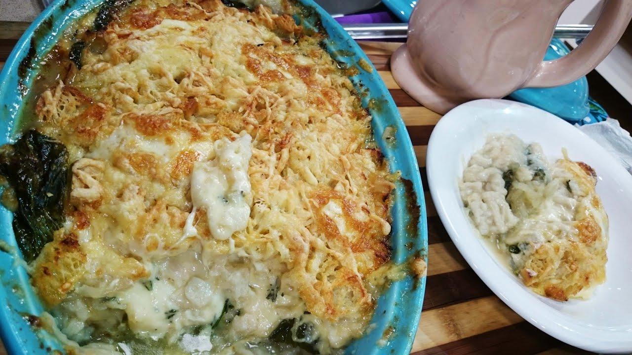 Pastel cremoso de espinaca y miga de pan