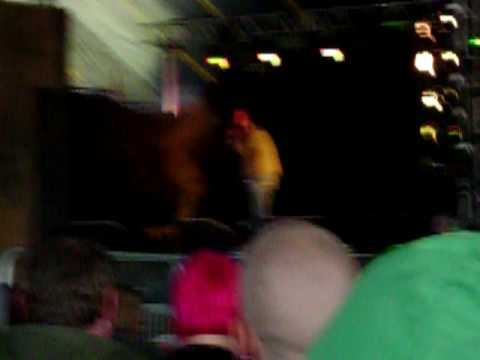 Brendan Burns destroying heckler at Leeds Fest 2008