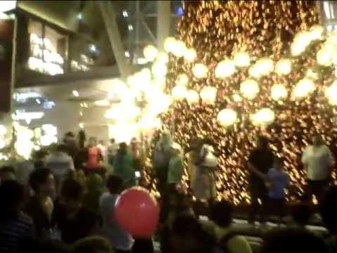 Christmas Eve @ Orchard - Opposite Mandarin Section