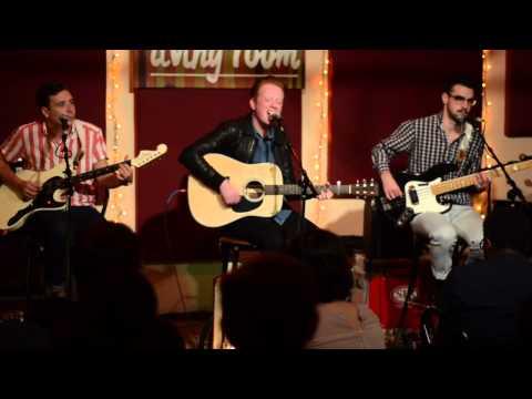 Two Door Cinema Club - Undercover Martyn (Live Last.fm)
