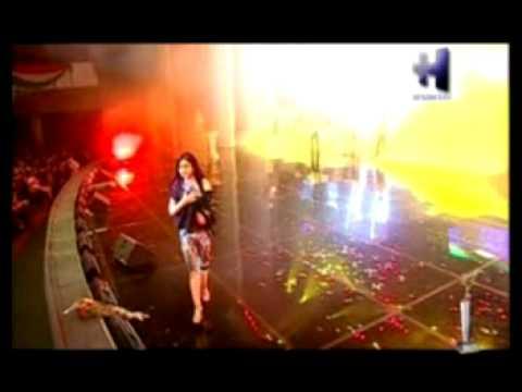 Nozia Karomatullo - Sitora dar havo (live)