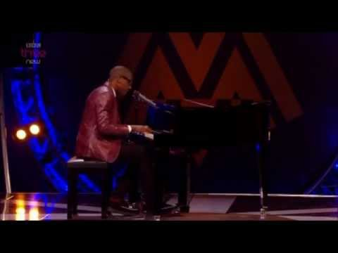 Labrinth - Beneath Your Beautiful/Earthquake (Live MOBO Awards 2012)