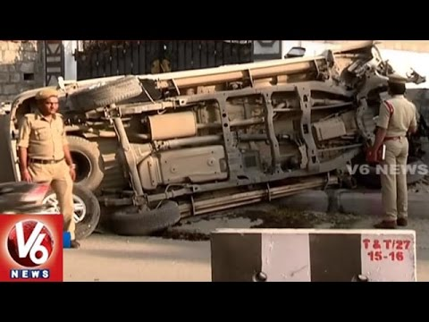 Car Accident | Speeding Car Roll Over At Jubilee Hills | Hyderabad | V6 News