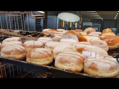 Читмил из 30 вкуснейших пончиков! Взрыв живота и рук! Попробуй повтори! Испания, Ллорет де Мар.