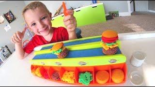 FATHER SON BURGER MANIA!!! / Make Tiny Burgers!