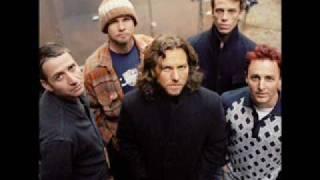 Watch Pearl Jam Let Me Sleep video