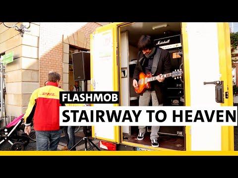 Download Lagu SWR1 RP Hitparade 2017 - Flashmob Stairway to Heaven MP3 Free