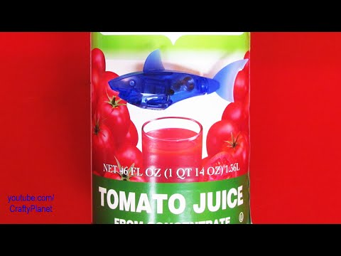 Can A Hex Bug Fish Swim in Tomato Juice??? Aquabot Swimming Test Review Micro Robotic Robot