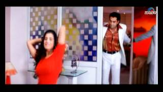 Amisha Patel undresses herself in front of a mirror (Humraaz)