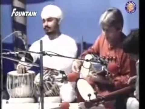 Live in Pune - Ustad Amjad Ali Khan and Ustad Sukhwinder Singh Pinky