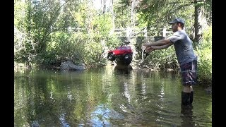 Axial scx10 4x4 go under water.Epic moments.