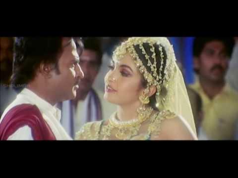 Narasimha Movie     Ramya Krishna Kissing Rajnikanth    Rajinikanth...