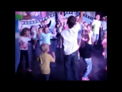 Надя танцует (Я не шмакодявка)