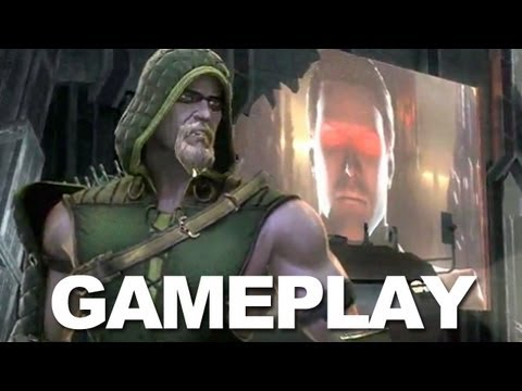 Injustice: Catwoman vs. Green Arrow Gameplay (Off-Screen) - NYCC 2012