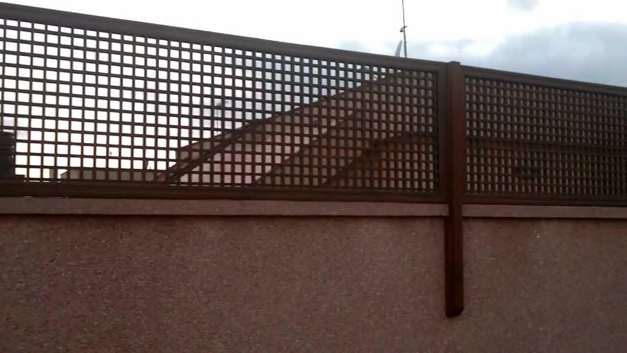 Celosias y paredes con madera de exteriores 01 terraza for Paredes de madera para jardin