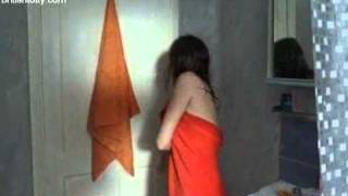 Anna Friel in The Street 10  بنت تسبح