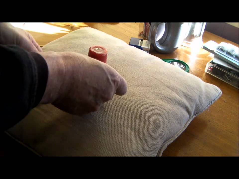 how to apply a colostomy bag