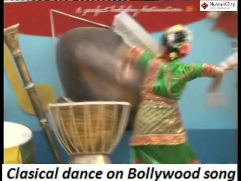 Surajkund Mela :- Clasical Dance On Bollywood Song (mere Naseeb Me Tu Hai Ke Nahi ) video