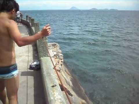 Salto 15-metros de altura praia do leme