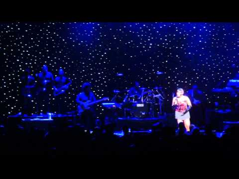 Fantasia (rare) can't Stand The Rain & don't Know Why I Love You Live video