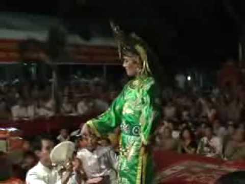 Nguyen Dai Duong Hau Gia Chua Ba De Nhi Nguyet Ho video