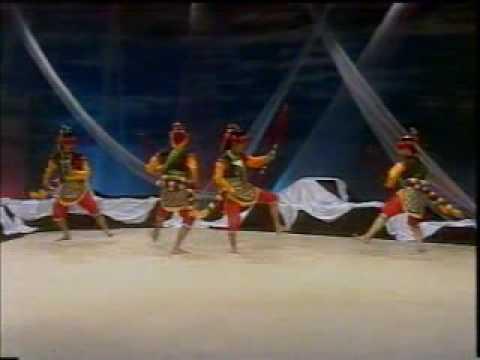 Tari Kreasi Baru Yogyakarta - Part 2 video